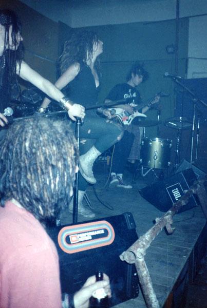 1990-05-02-haven-contro-potere