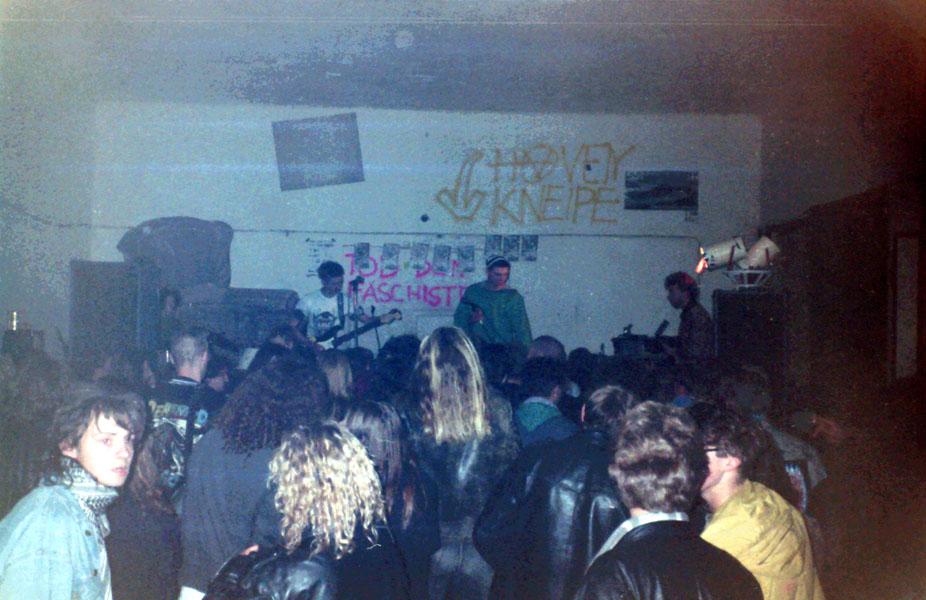 1990-11-10-haven-acoustic rape