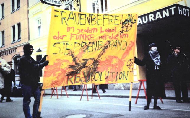 199x-demo-frauenbefreiung-in-jedem-land-der-funke-wird-zum-steppenbrand