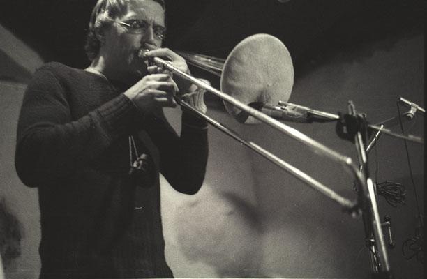 1975-jazzkeller-radu malfatti