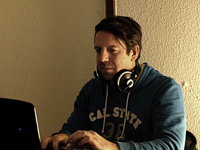 Stiegenhausmusik #08 - grenzregionen - Alexander Spechtenhauser