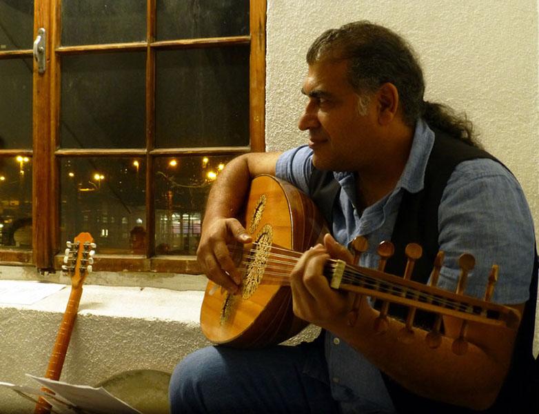 Stiegenhausmusik #44 - Hassan Ibrahim Berzenci