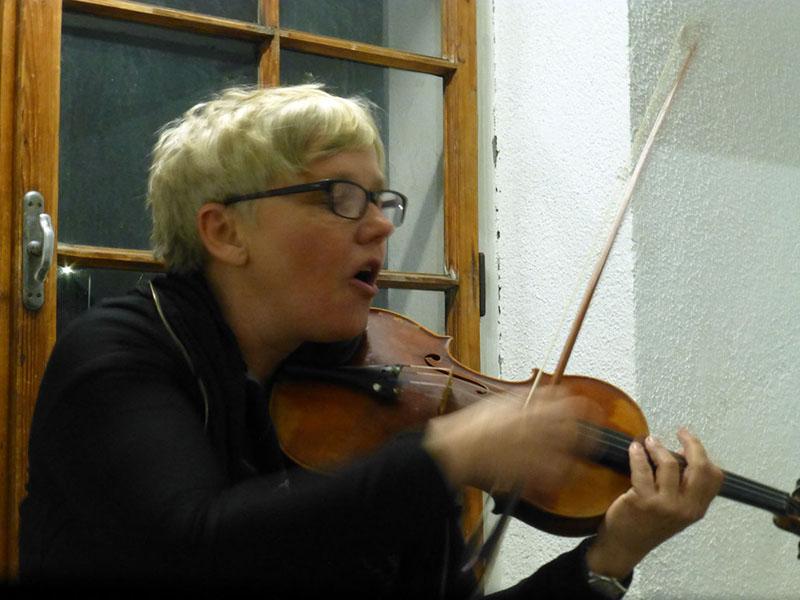 Stiegenhausmusik #47 - mia zabelka
